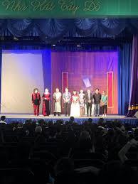 Khán giả Cần Thơ hào hứng với kịch Hồng Vân - Báo Người Lao Động