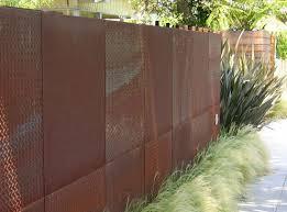 10 California Landsape Ideas For Contemporary Gardens Steel Fence Easy Fence Modern Fence