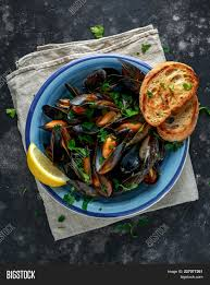 Mussels Garlic Butter Image & Photo ...