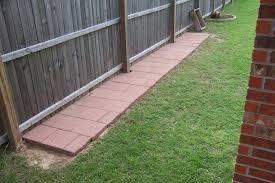 Pin By Martha Dehoop On Puppy Love Dog Backyard Dog Run Fence Diy Dog Fence