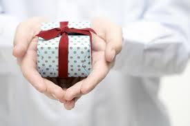 most impressive wedding gifts for men
