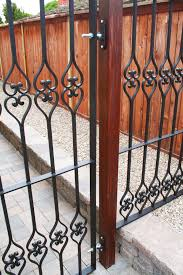 Take A Look At This Custom Designed Fence Using Our Forged Steel Baluster 13 45024 200 Check Out More Designs Concepts At Kingmetals Com