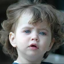 صور اطفال بعيون زرق اجمل عيون اطفال زرقاء صباح الورد
