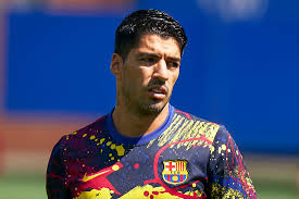 FC Barcelona directors threaten to quit over Luis Suarez transfer deal -  Insider