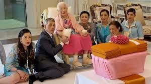 พระพันปีหลวง ในหลวง พระราชินี ทรงบำเพ็ญพระราชกุศลเป็นการส่วนพระองค์