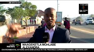 WATCH: #SABCNews reporter accosted by Alex protester - YouTube