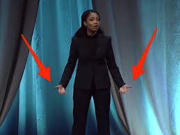 Public speaking champion used a former winner's body language tip ...