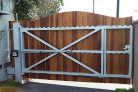 Automatic Driveway Gate Lincoln Electric House Gate Design Driveway Gate Backyard Gates