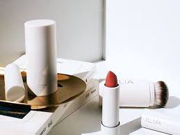 8 helpful makeup tips for women over 40
