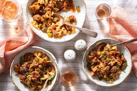american chop suey with ground beef and