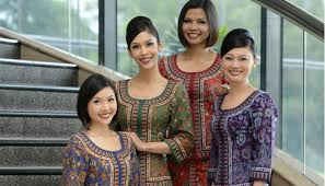 singapore airlines stewardesses
