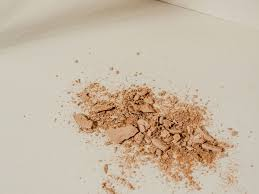 setting powder vs setting spray when