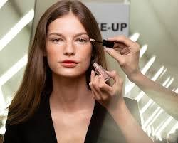 look master the dewy luminous makeup