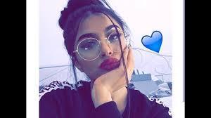 صور بنات محجبات بنظارات بنت كيوت بنظارة شيك فنجان قهوة