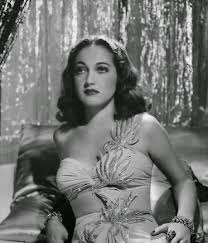 FORMER BEAUTY QUEENS WHO BECAME ACTRESSES. ⋆ Historian Alan Royle