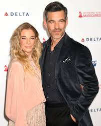 LeAnn Rimes' Depression Put a 'Weight' on Marriage to Eddie ...