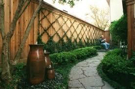 Pin By Rhonda On How Does Your Garden Grow Backyard Fences Vertical Garden Backyard