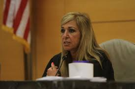 Justice Patricia DiMango doesn't mind getting tough on overloaded Bronx  courthouse - New York Daily News