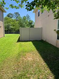 6 Ft Tan Vinyl Fence Installation R R Fence Services Facebook