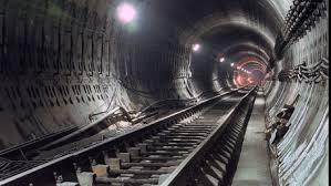 Metroul din Bucureşti a împlinit 33 de ani. Cum ar fi arătat dacă n-ar fi fost Ceauşescu FOTO | Economica.net