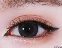 tips makeup mata ala korea saubhaya