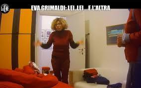 Eva Grimaldi trova Imma Battaglia a letto con una suora: il malvagio  scherzo de Le Iene – Tvzap