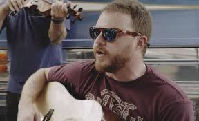 Watch Cody Johnson Sing Laid-Back New Song 'Fenceposts'