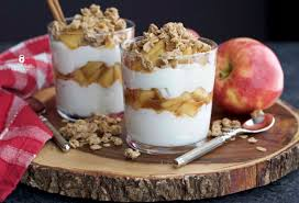 apple cinnamon greek yogurt parfait