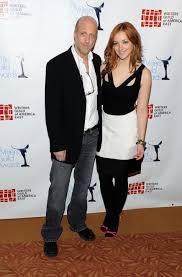 Abby Elliott & Chris Elliott | Entertainment Tonight