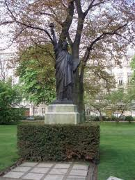statue of liberty luxembourg garden