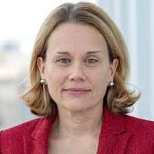 LCWINS | Steering Committee | Julianne Smith