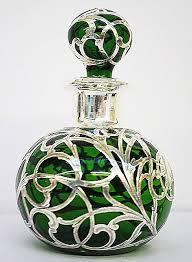 green glass perfume bottle Флаконы