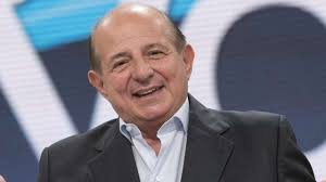 Giancarlo Magalli, avete mai visto la primogenita Manuela? Uguale ...