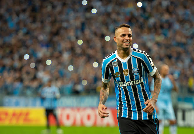 Palmeiras entra na briga com o Corinthians pelo meia Luan, diz rádio; confira