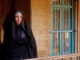 العباءة العراقية تراث أصيل يصارع للبقاء