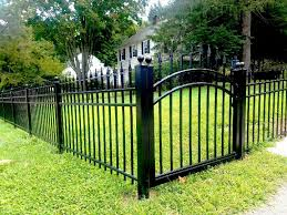 3 Rail Aluminum Fencing With Decorative Finials Aluminum Fence Iron Fence Fence Design