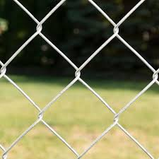 Yardgard 4 Ft X 50 Ft 11 5 Gauge Galvanized Steel Chain Link Fabric 308704a The Home Depot