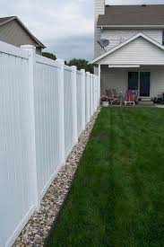65 Diy Backyard Privacy Fence Design Ideas On A Budget Homixover Com Backyard Budget In 2020 Backyard Fences Backyard Landscaping Designs Small Backyard Landscaping