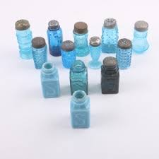 vintage blue pressed glasilk