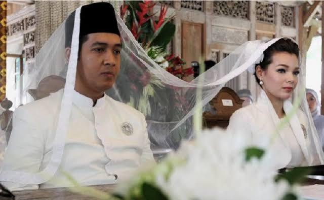 """Hasil gambar untuk Muslimah yang Menikah Lebih dari Sekali, Siapa Suaminya Disurga?"""""""