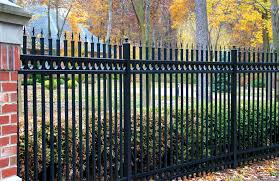 Vinyl Vs Aluminum What S The Best Option For You Best Fence Rail Of Florida