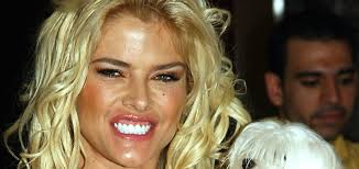 Watch: Anna Nicole Smith documentary to explore 'up and down' relationship  with Larry Birkhead - UPI.com