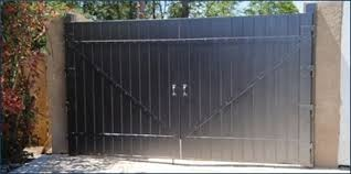 Welded Enclosure Fence Gate System Fence Wall And Gate Our Products Eastern Metal Supply