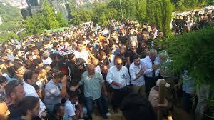 Barkın Bayoğlu (Altın Elbiseli Adam) Cenaze Töreni ve Mezarlığa ...