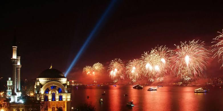 """new year istanbul ile ilgili görsel sonucu"""""""