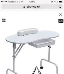 foldable nail table and uv l in
