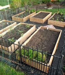 47 creative diy small garden boxes for