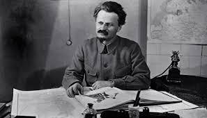Первый после Ленина — Лев Давидович Троцкий. Интересные факты