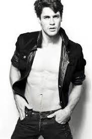 Christopher Leoni model | Leone