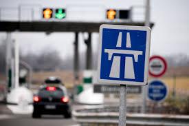 Autoroutes : dans les coulisses d'une privatisation très controversée
